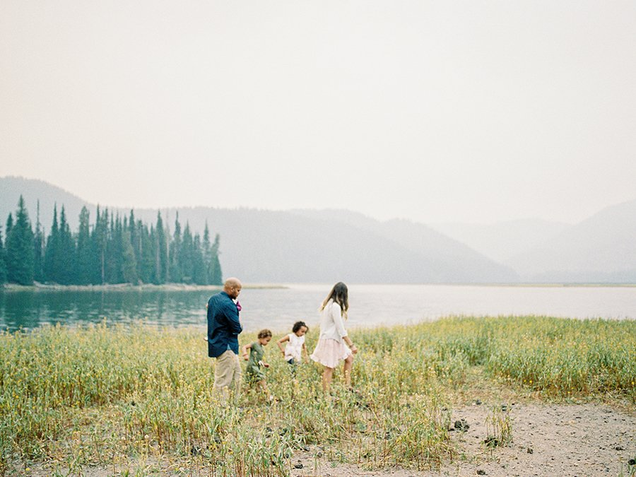 Family walking at Sparks Lake