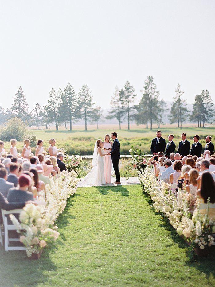 beautiful wedding ceremony at Sunriver Resort in Central Oregon